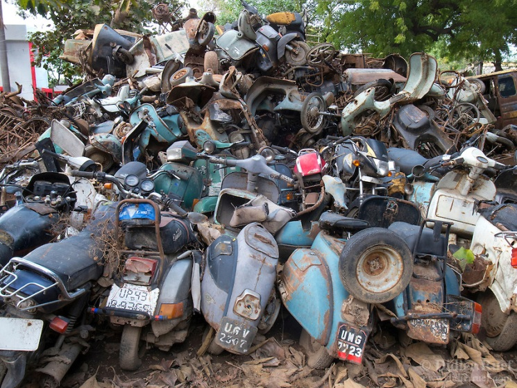 India. Scrapyard. Pollution. Environment. Vespa. Scooter. Ecology.